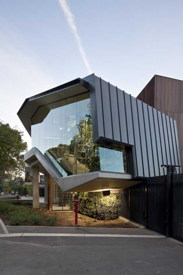 The cairns institute james cook university building e for Architecture adelaide uni
