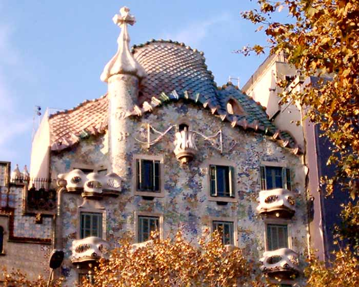 Casa batlo gaudi building barcelona e architect for Architecture gaudi