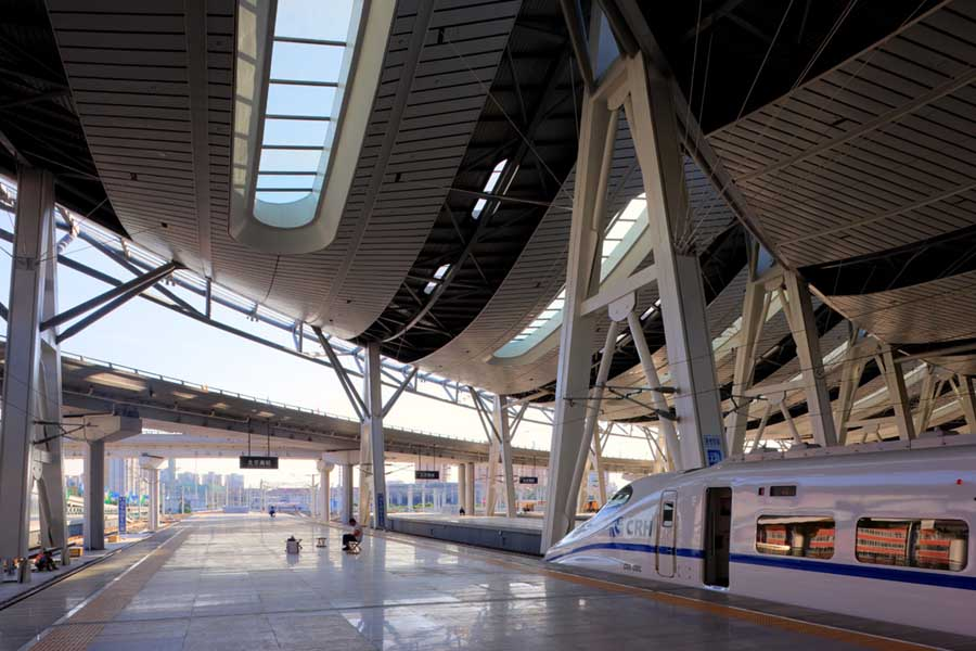 http://www.e-architect.co.uk/images/jpgs/beijing/beijing_south_railway_station_farrells080908_4.jpg
