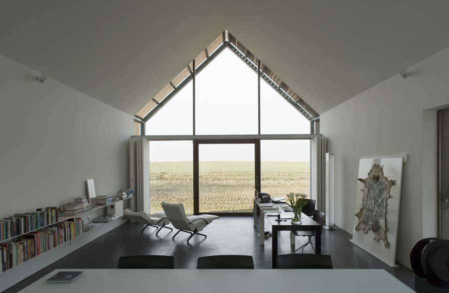 Barn house belgium belgian home e architect for Modern barn home interiors