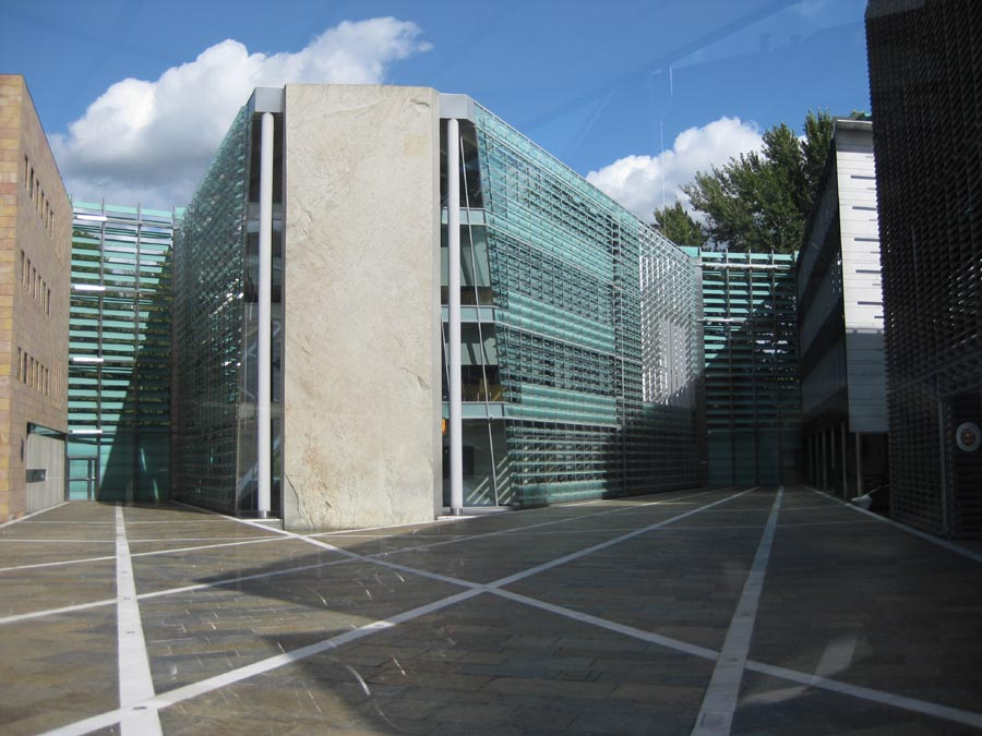Nordic embassies berlin building architects e architect for Consul building