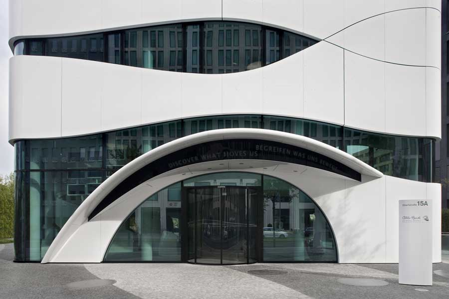 Science center medical technology berlin building e for Modern design building company