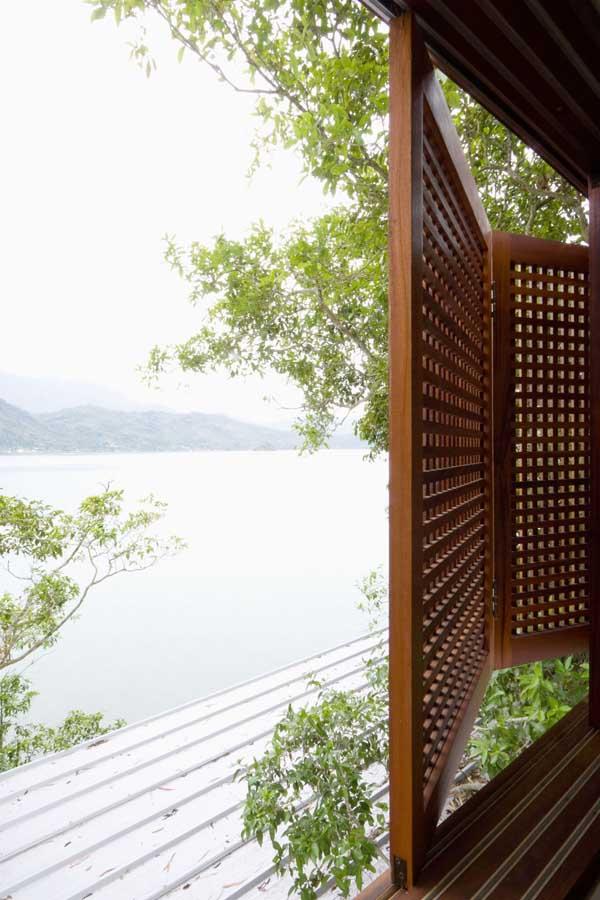 http://www.e-architect.co.uk/images/jpgs/brazil/pier_house_mk021209_pv16.jpg