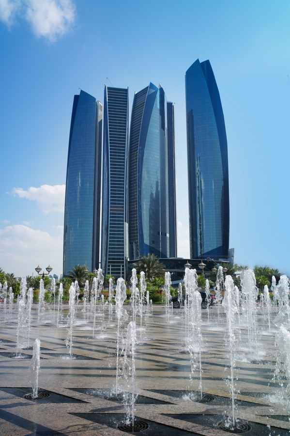 Abu dhabi skyscraper uae towers buildings e architect for Famous structures in dubai