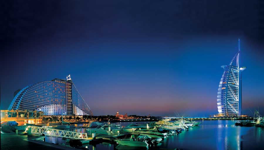 Jumeirah beach hotel dubai resort e architect for Dubai beach hotels
