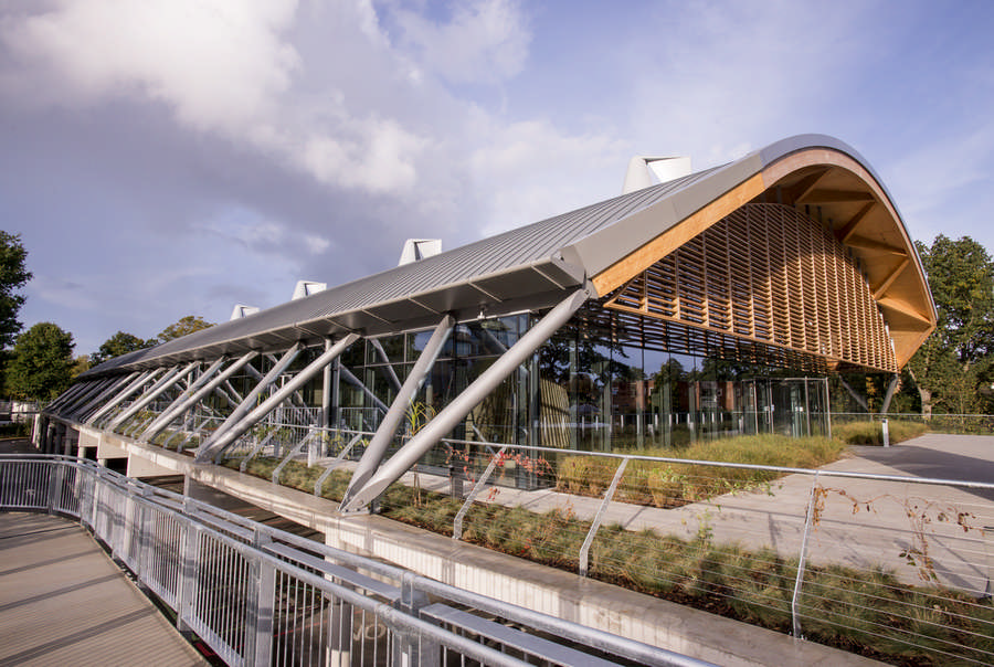 Living planet centre and headquarters in woking e architect for Porte hq surrey