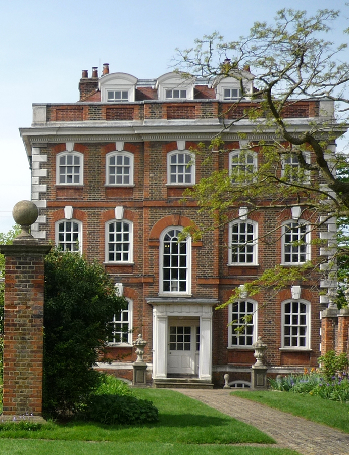Rainham hall in havering queen anne house in essex e for Queen anne home