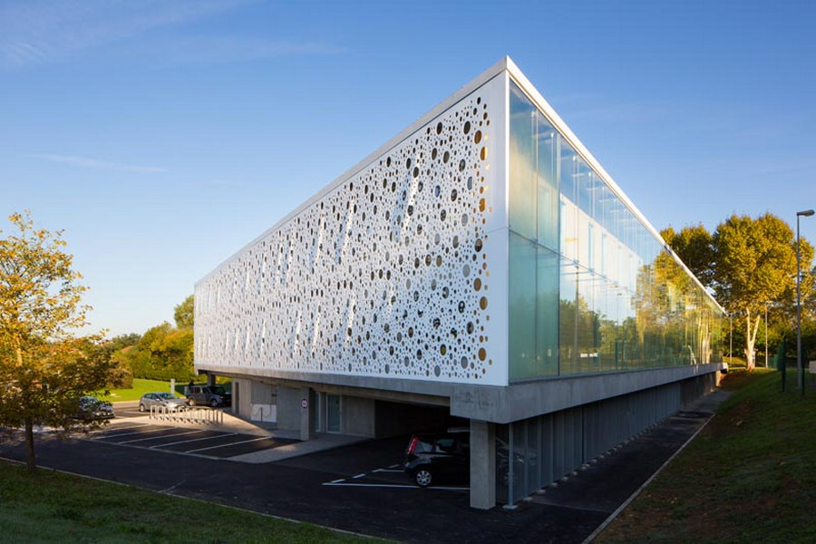 Office buildings offices designs e architect for Modern office building design concepts exterior