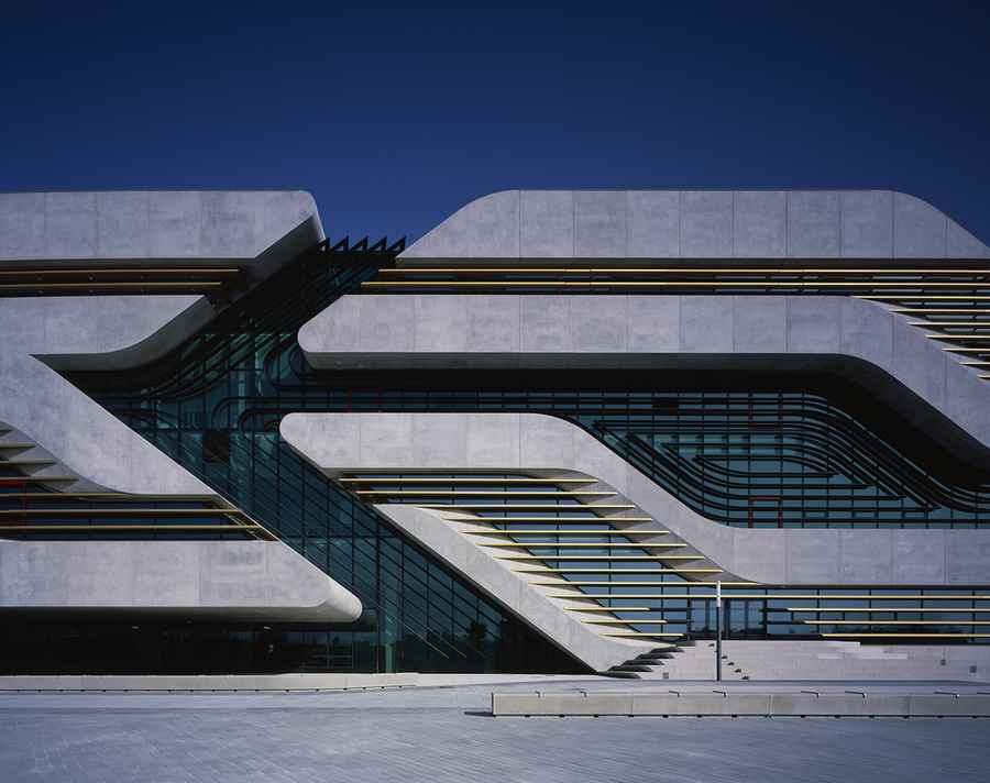 Pierres vives building montpellier zaha hadid e architect for Architecture zaha hadid