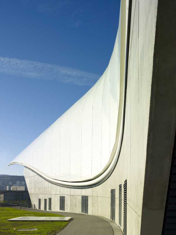 http://www.e-architect.co.uk/images/jpgs/france/zenith_foster101108_nigelyoung_13.jpg
