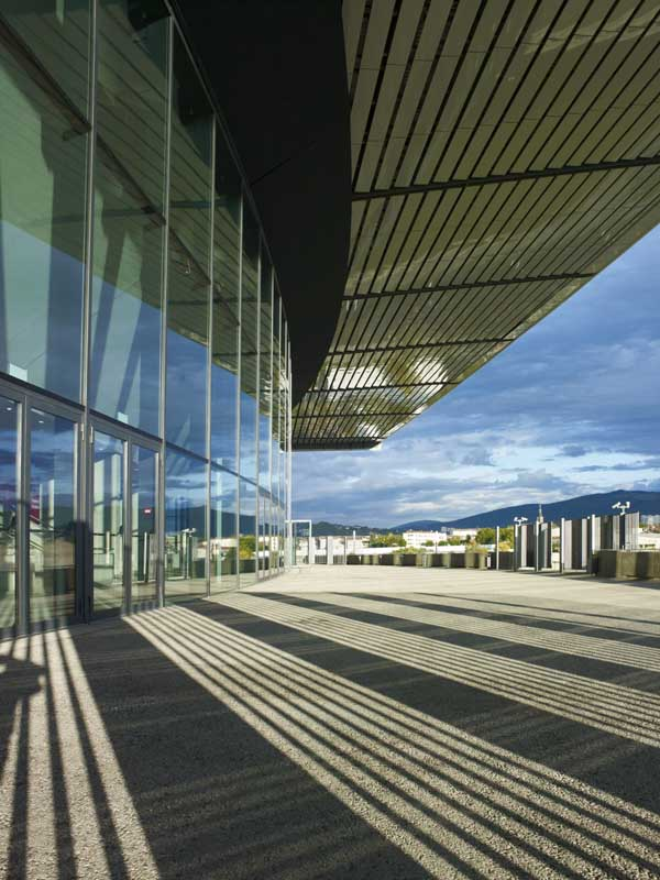 http://www.e-architect.co.uk/images/jpgs/france/zenith_foster101108_nigelyoung_7.jpg