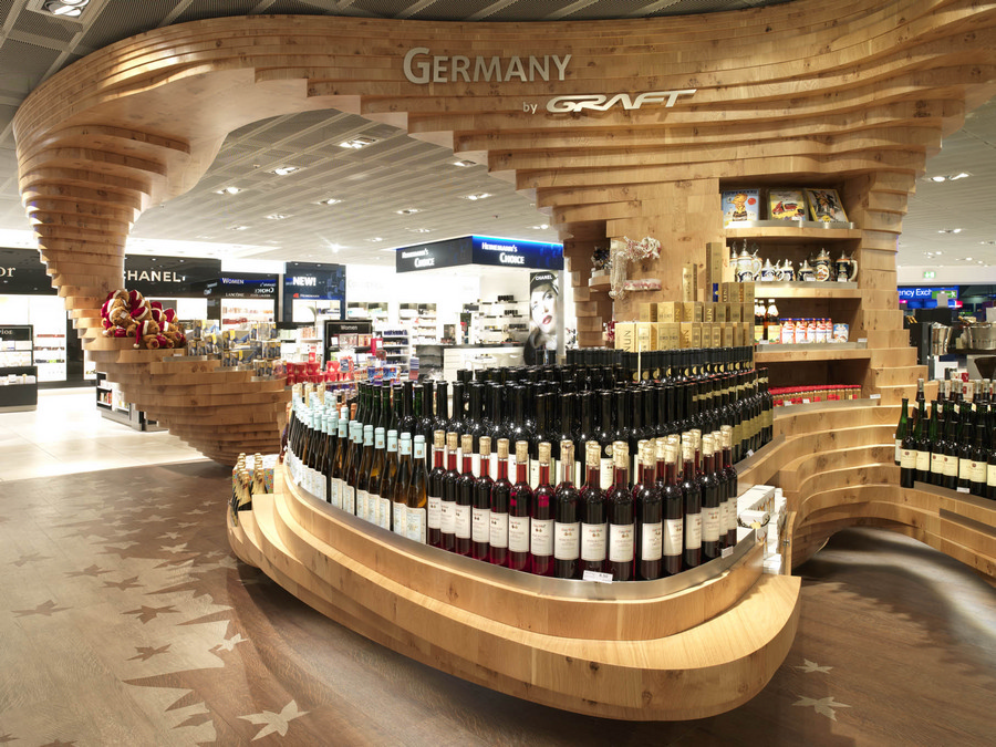 Heinemann duty free shop frankfurt airport e architect for Retail shop display ideas