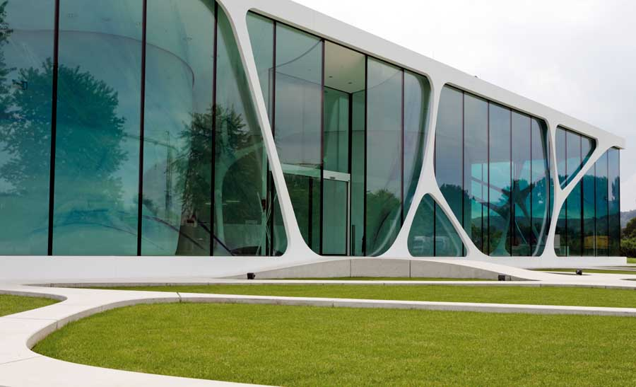 Leonardo glass cube bad driburg germany e architect for Modern office building design concepts exterior