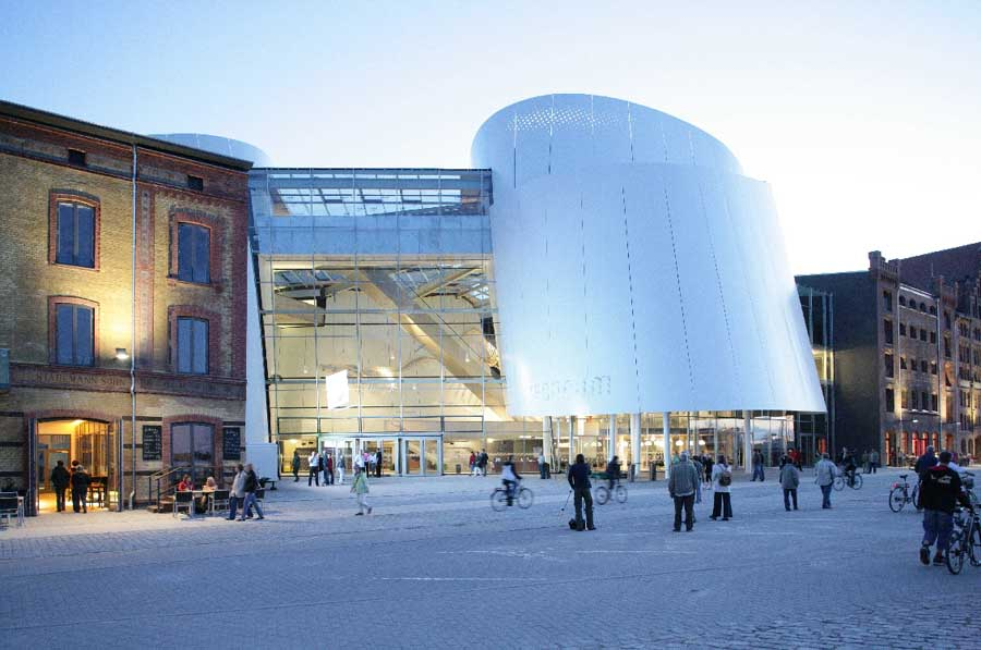 http://www.e-architect.co.uk/images/jpgs/germany/ozeaneum_stralsund_behnisch170309_jms_10.jpg
