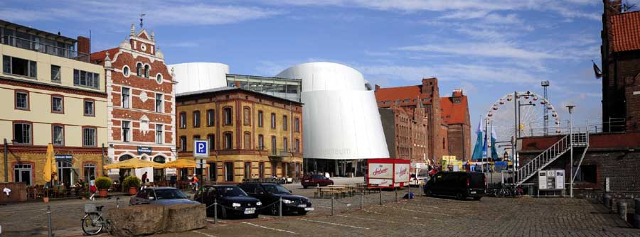 http://www.e-architect.co.uk/images/jpgs/germany/ozeaneum_stralsund_behnisch170309_sb.jpg