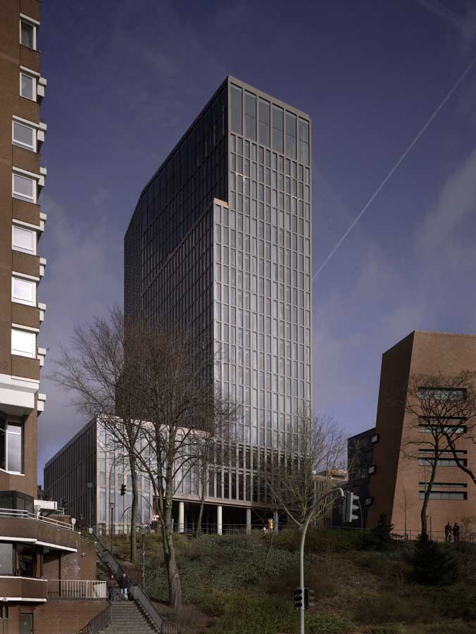 Empire riverside hotel hamburg building by david for Hotel hamburg