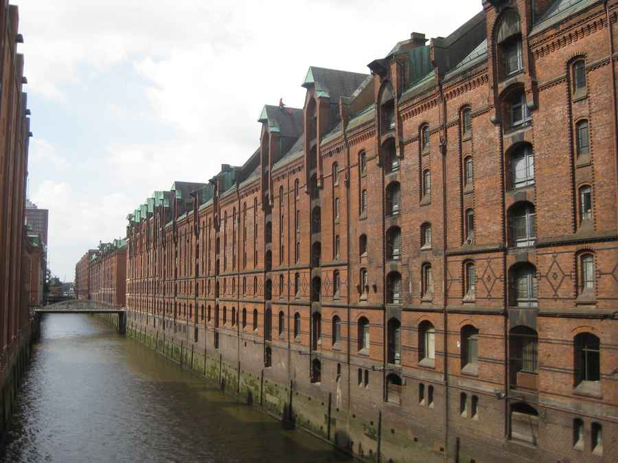 hafencity buildings hamburg docklands harbour architecture e architect. Black Bedroom Furniture Sets. Home Design Ideas