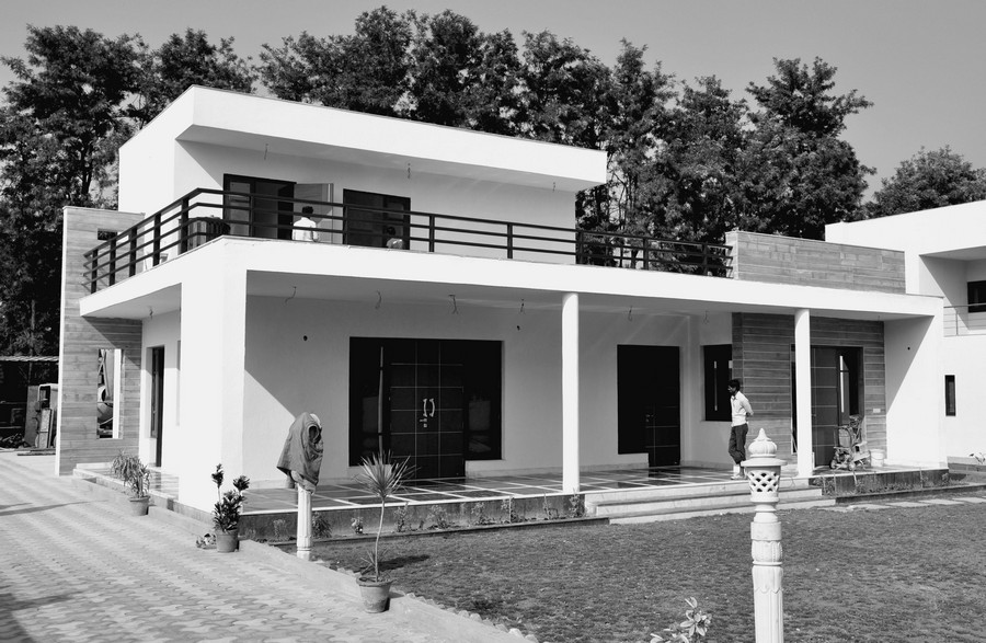 Chattarpur Farm House: Indian Residence - e-architect