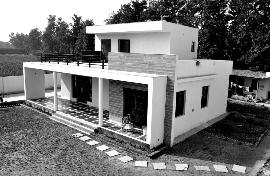 Chattarpur farm house indian residence e architect for Indian house portico design
