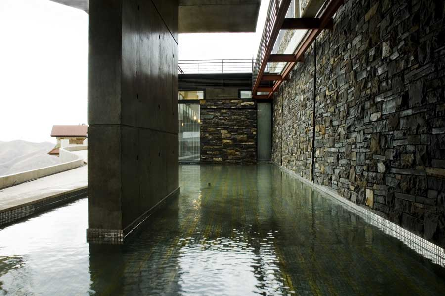 http://www.e-architect.co.uk/images/jpgs/iran/ramp_house_tehran_j120410_2.jpg