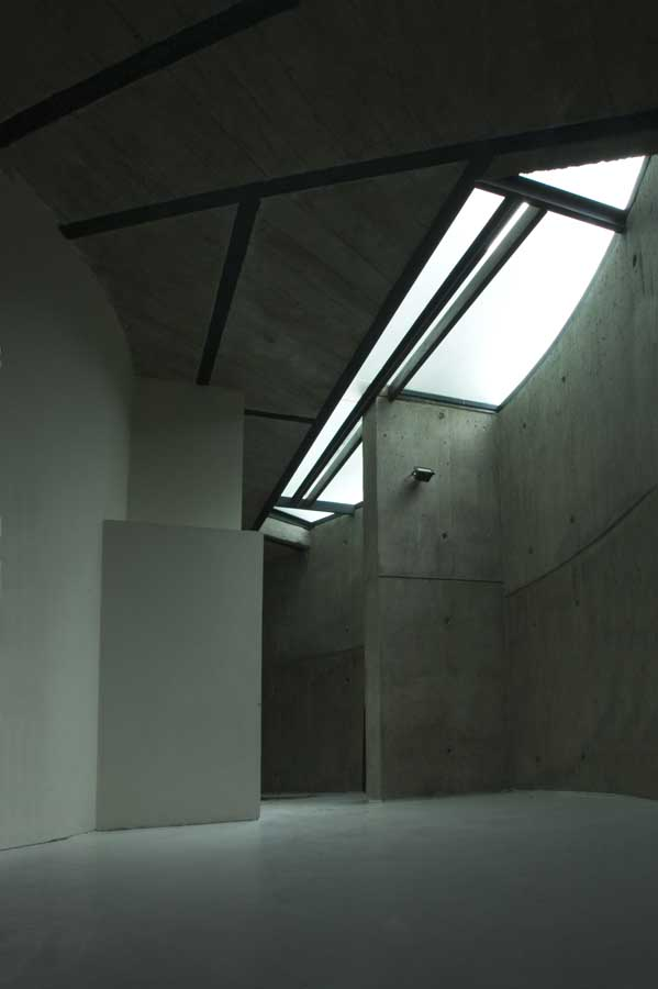 http://www.e-architect.co.uk/images/jpgs/iran/ramp_house_tehran_j120410_7.jpg