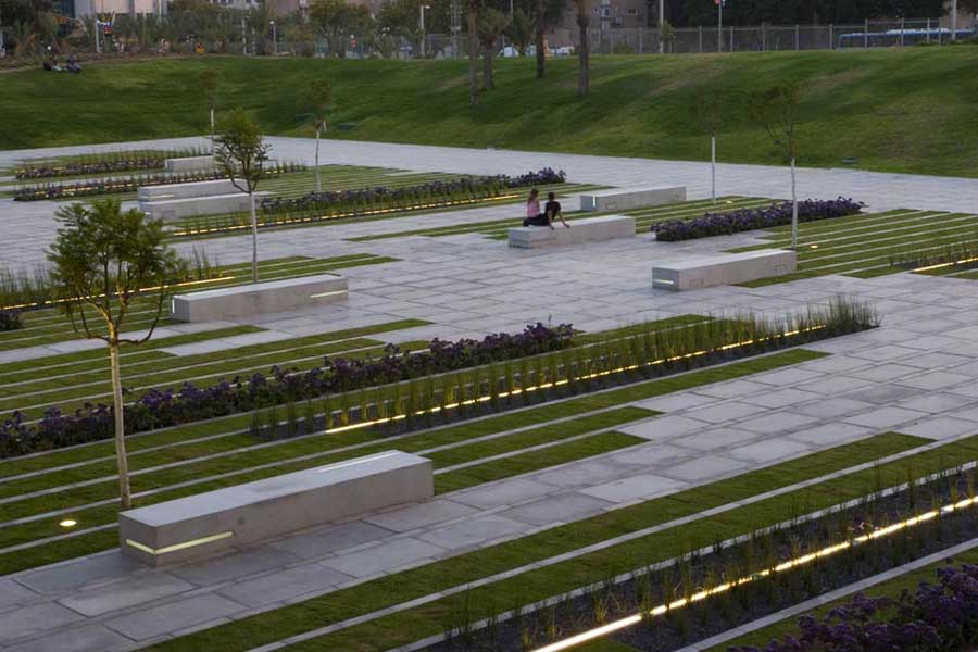 http://www.e-architect.co.uk/images/jpgs/israel/deichmann_square_bgu_c110111_3.jpg