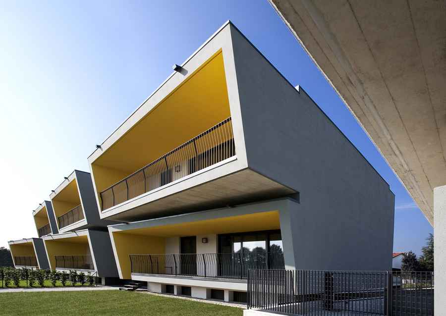 Cremona housing italian residential architecture e for Residential architect