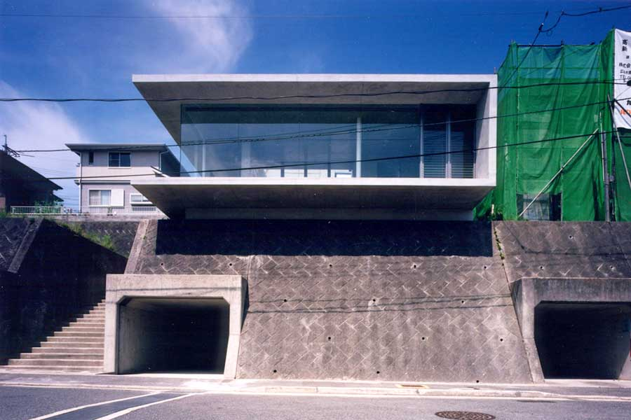 Zen house hiroshima architecture ryuichi furumoto e for House designs zen type