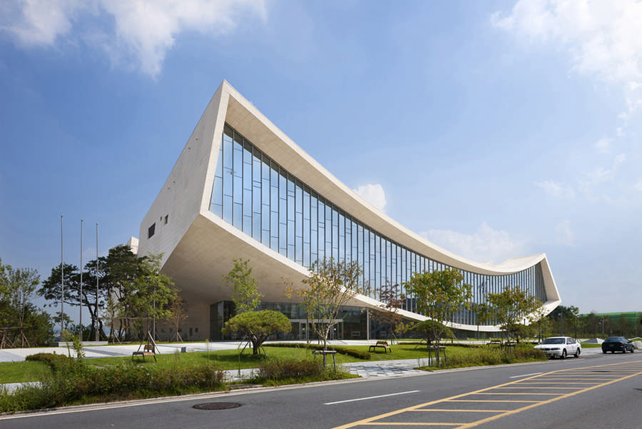 South korean architecture buildings e architect for Ultra modern office building design