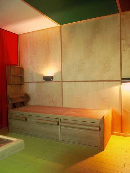 the interior of the cabanon exhibition e architect. Black Bedroom Furniture Sets. Home Design Ideas