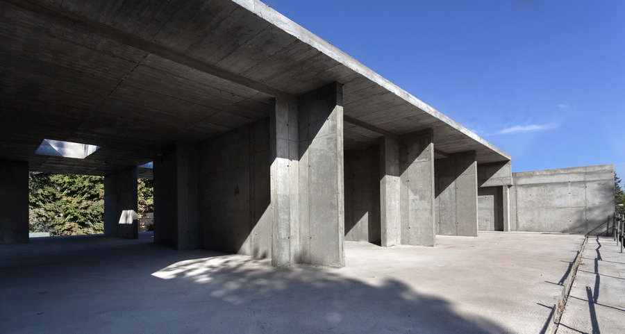 Aluminium house new madrid residence e architect - Casa luciano madrid ...