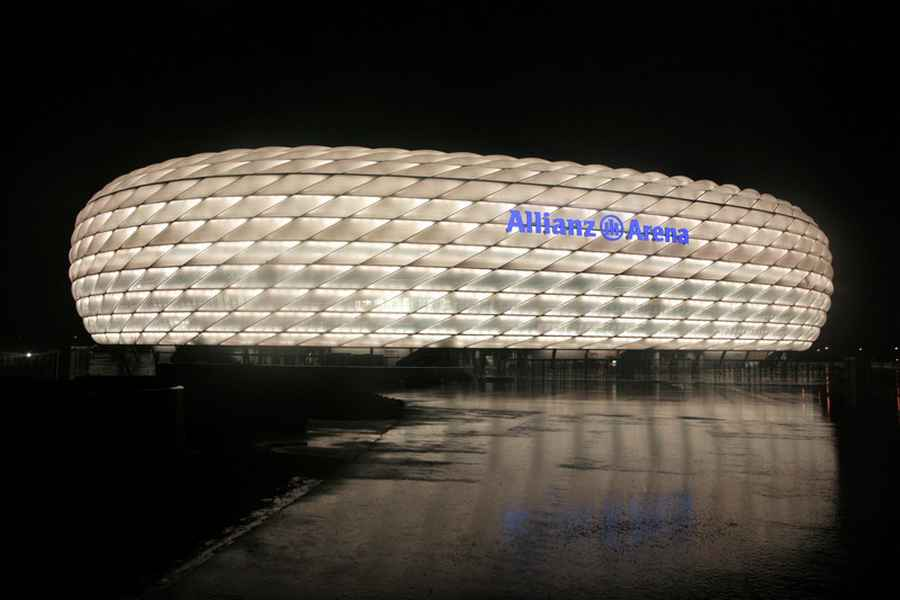 allianz arena bayern munich football stadium e architect. Black Bedroom Furniture Sets. Home Design Ideas