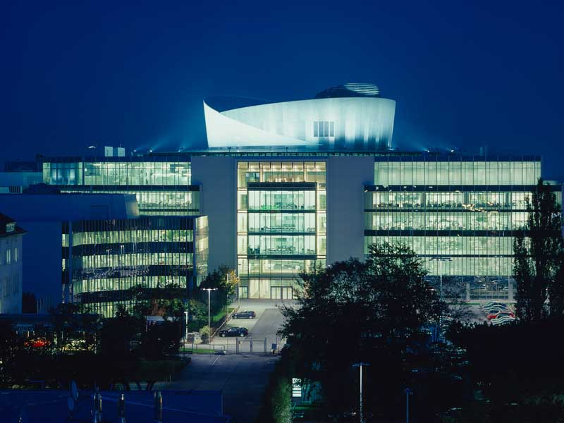 Bmw Projekthaus Munich Research And Innovation Centre E Architect