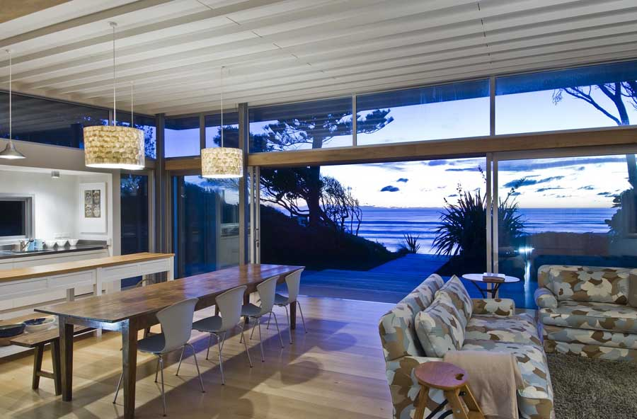 Modern beach house decor contemporary best plans ideas on for Room design kapiti