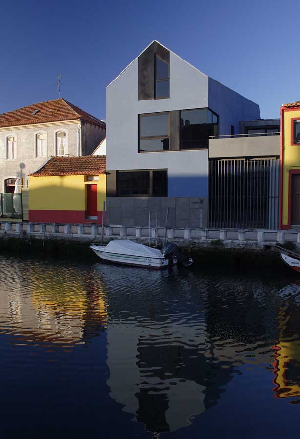 House In Aveiro Portuguese Home Canal Botir 245 Es Property