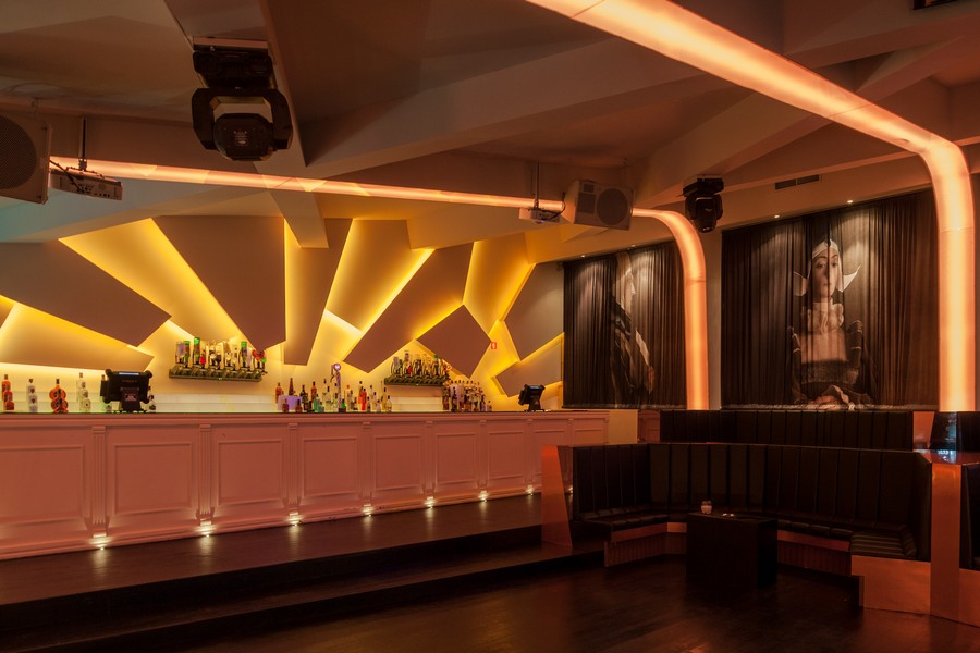 Eskada Club Porto Nightclub E Architect