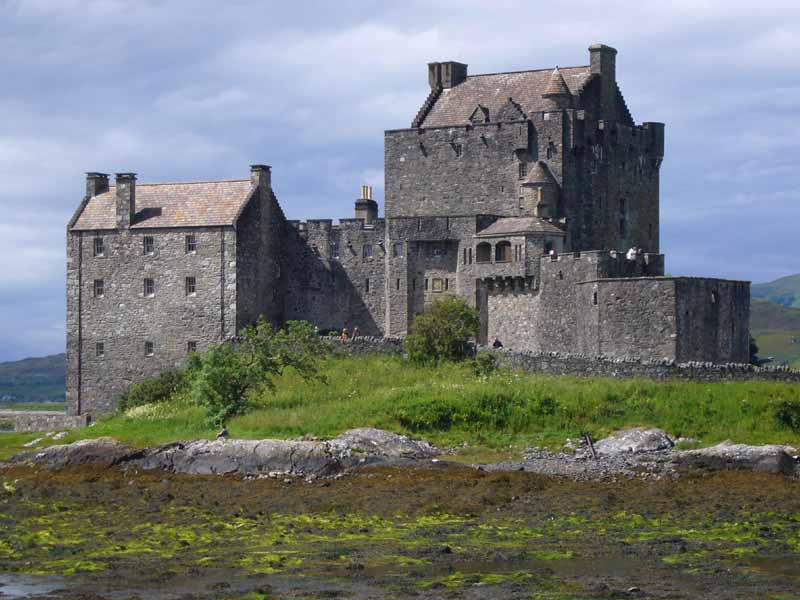 Eilean donnan west coast castle scotland lochalsh e for Scottish highland castle house plans