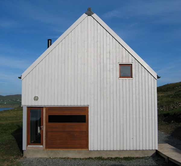 The Wooden House - Skye Home - e-architect