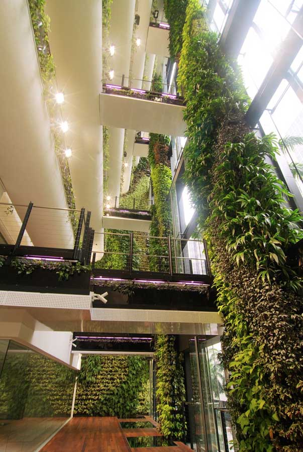 Singapore cbd building hanging garden e architect for Indoor gardening singapore