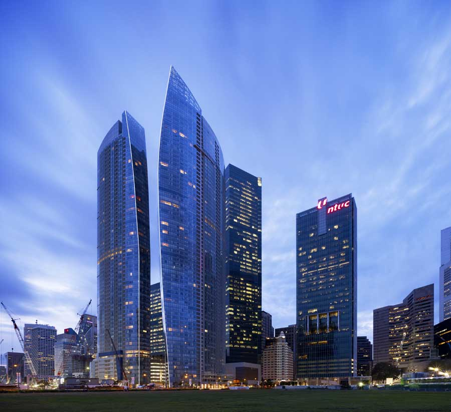 The sail marina bay singapore building e architect for Famous buildings in singapore