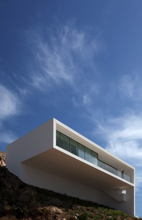 House on the cliff casa del acantilado alicante for Fran silvestre house on the cliff