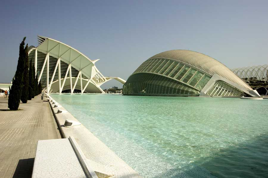 http://www.e-architect.co.uk/images/jpgs/spain/city_arts_sciences_pzd0709_11.jpg
