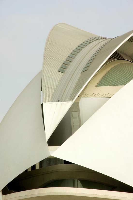 http://www.e-architect.co.uk/images/jpgs/spain/city_arts_sciences_pzd0709_15.jpg