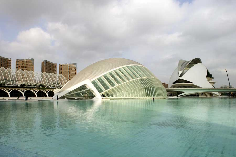 http://www.e-architect.co.uk/images/jpgs/spain/city_arts_sciences_pzd0709_8.jpg