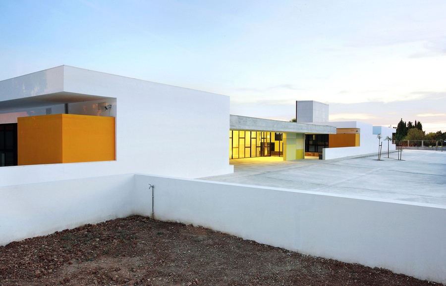 Consell Spain  City pictures : Consell Kindergarten Building School Complex Bartomeu Ordines Consell ...
