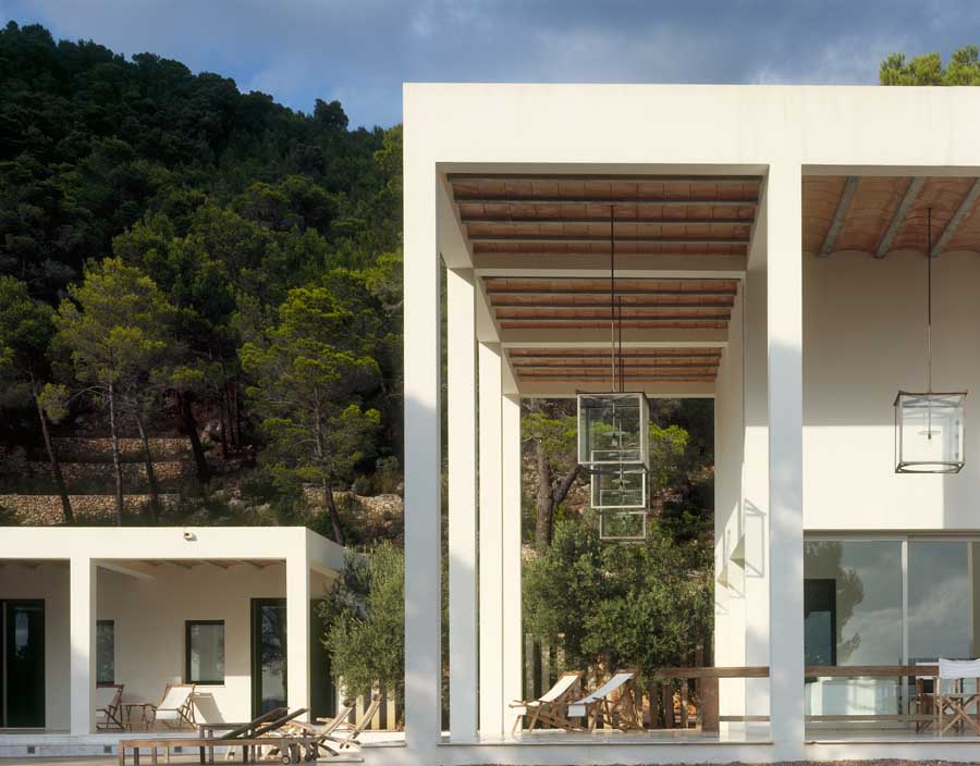 http://www.e-architect.co.uk/images/jpgs/spain/country_house_ibiza_dbm180609_petercook_3.jpg