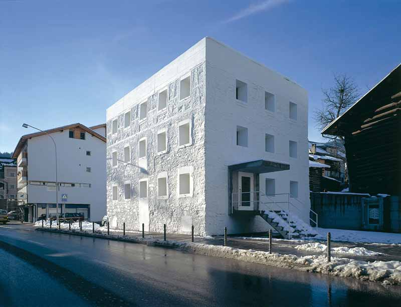 Das gelbe haus switzerland building yellow house e for In house architect