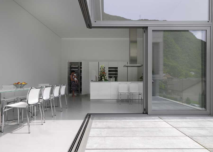 http://www.e-architect.co.uk/images/jpgs/switzerland/lumino_house_d040610_6.jpg