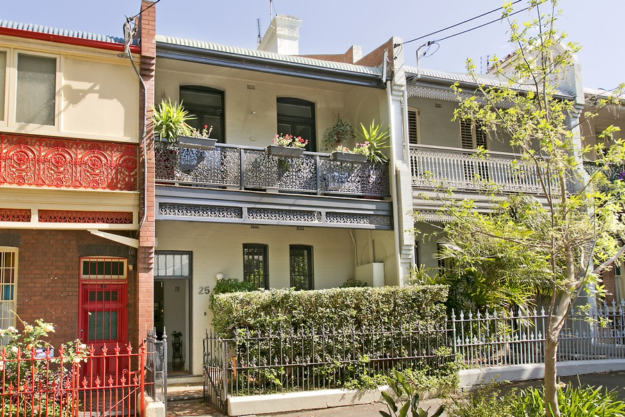 Surry hills terrace house sydney residence e architect for Terraced house meaning