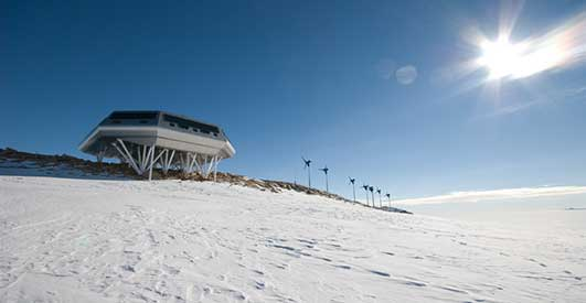 Energy Efficient Facility Antarctica by International Polar Foundation